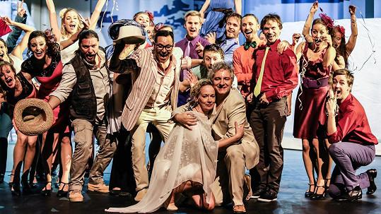 Jak to bude s muzikálem Mamma Mia! po smrti producenta Kovarčíka?