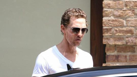 Matthew McConaughey v poslední době nevypadá zdravě, musí hubnout kvůli filmové roli.