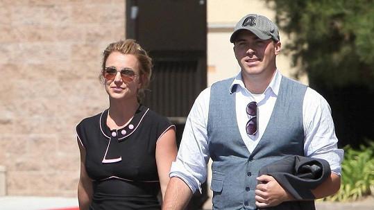Srdce Britney si získal David Lucado.
