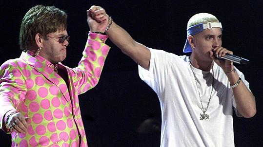 Elton John zachránil Eminemovi život.