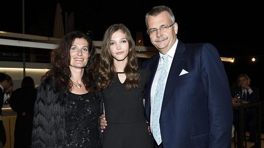Jana Tvrdíková s rodiči