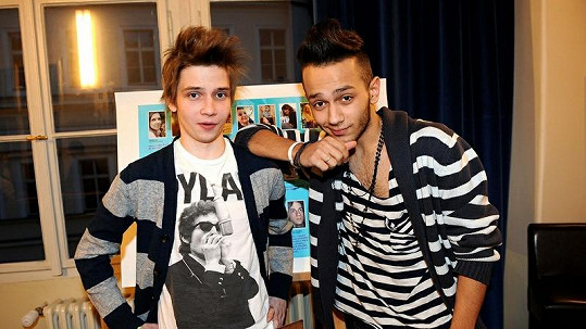 Honza Bendig (vpravo) přiznal, že miluje kluky. Na snímku s kamarádem Láďou.
