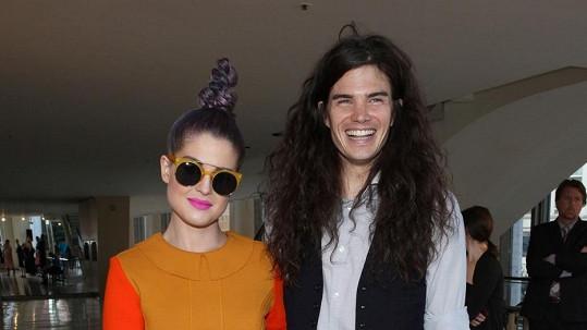Kelly Osbourne a její přítel a budoucí manžel Matthew.