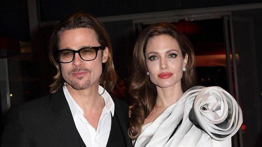 Angelina s Bradem se prý konečně vzali...