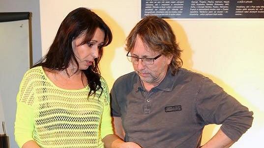 Dalibor Janda se Heidi Janků nedíval do očí.