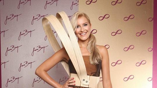 Jitka Nováčková v extravagantních šatech soutěžila už v České Miss.