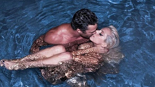 Lady Gaga a Taylor Kinney, který to s ní už nevydržel.
