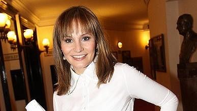 Monika se novým účesem pochlubila na nominacích Thálií.