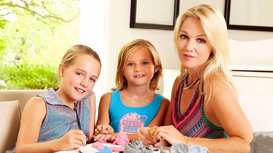 Jennie Garth s dcerkami Lolou a Fionou