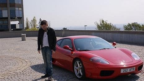 Leoš Mareš už není majitelem červeného Ferrari Modena 360.