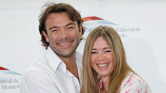 Seriálový pár Helena a Mikuláš (Helène Rollès a Patrick Puydebat) po dvaceti letech.