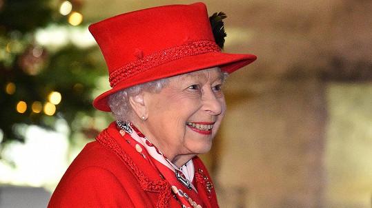 Královna Alžběta se těší na další pravnouče.