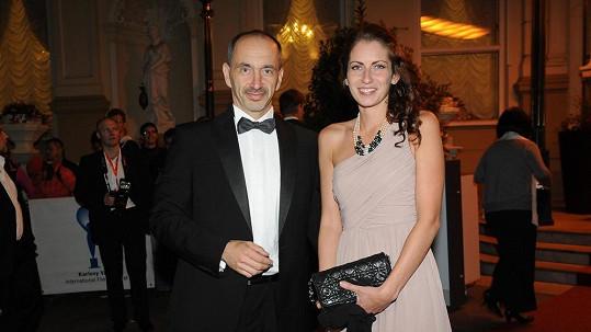 Martin Kuba s přítelkyní Denisou.