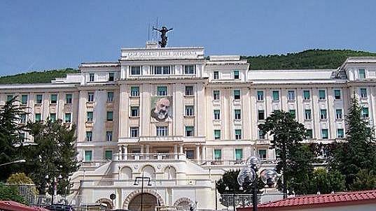 Na klinice Casa Sollievo della Sofferenza se měla zotavovat Iveta Bartošová.