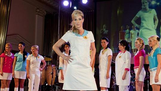 Petra Hladíková je v uniformě krásná jako anděl.