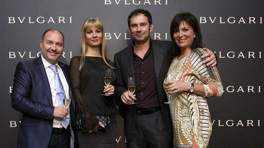 Emanuel Ridi s manželkou Janou se skvěle bavili s Michalem Davidem a jeho ženou Marcelou.