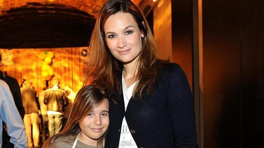 Klára Doležalová s krásnou dcerou Natálkou