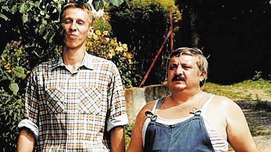 Otík a Pávek (Marián Labuda) ve filmu Vesničko má, středisková