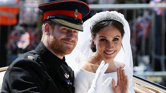 Harry a Meghan krátce poté, co se ve Windsoru vzali.