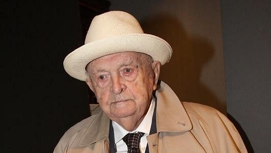 Stoletý režisér Otakar Vávra zemřel.