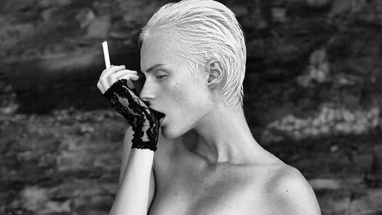 Kateřina Lorencová se za své tělo nemusí stydět.