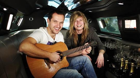 Miro Šmajda si zahrál na kytaru s Mírou Hejdou.