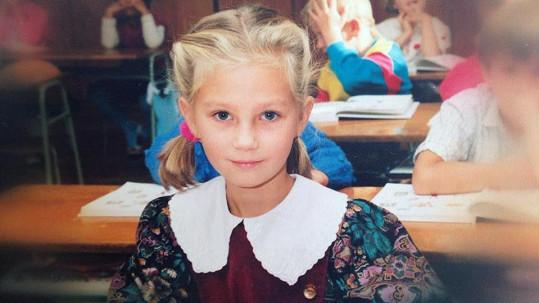 Jedna z našich nejkrásnějších moderátorek byla poslušná školačka.