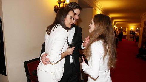 Vladimír Polívka a Karolína Krézlová v hovoru s Pavlínou Štorkovou, představitelkou Manon