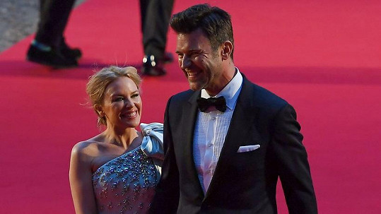 Kylie Minogue s partnerem Paulem Solomonsem