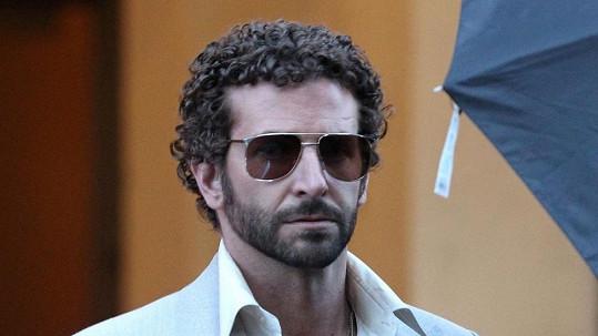 Poznáváte Bradleyho Coopera?