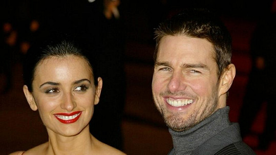 Penélope Cruz s Tomem Cruisem v roce 2004.