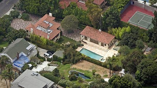 Dům Halle Berry, kde došlo k bitce.