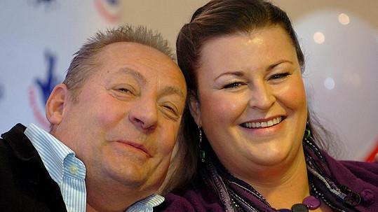 Samantha a Les Scaddingovi se čtyři roky po výhře rozvádějí.