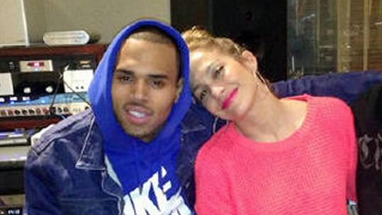 Jennifer Lopez a Chris Brown, s nímž spolupracuje na novém albu.