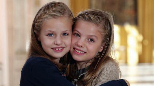 Španělské princezny Leonor a Infantka Sofía na vánoční pohlednici