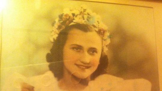 Babička Evy Decastelo.