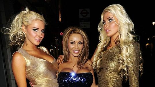 Karissa a Kristina Shannon s Gemmou Massey uprostřed.