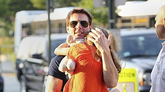 Tom Cruise svou dceru skoro vůbec nevídá.