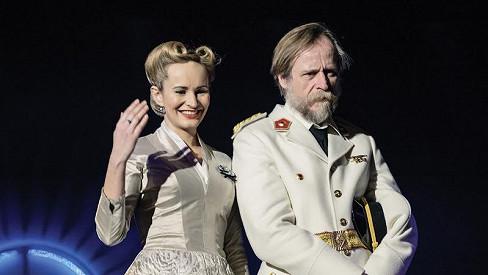 Monika Absolonová (na snímku s Karlem Rodenem, jenž ztvární Juana Dominga Peróna)