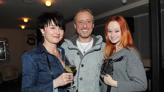 Kamil Střihavka s manželkou a dcerou Terezou