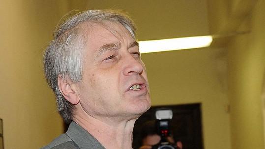 Josef Rychtář v Itálii neutrácí, hostí ho novináři.