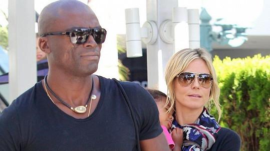 Seal a Heidi Klum jsou dávnou minulostí, zpěvák nyní randí s jinou.