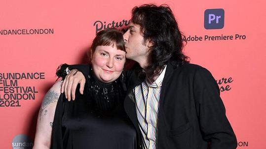 Lena Dunham a hudebník Luis Felber
