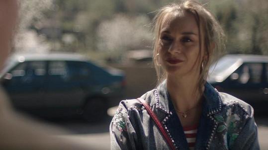 Barbora Mottlová se objeví v seriálu Pouť: Rozjetý devadesátky.