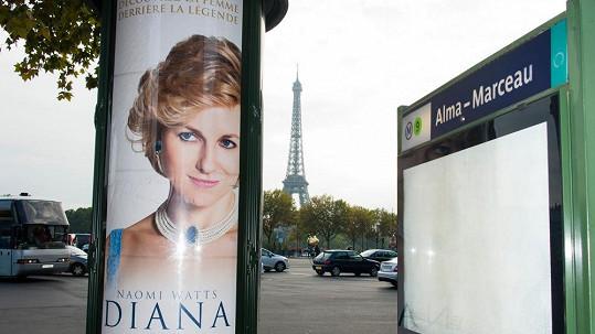 Film je propagován i u místa, kde Lady Di přišla o život.