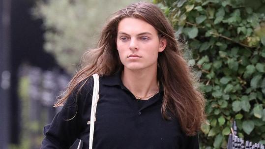 Damian Hurley je své matce Liz Hurley velice podobný.