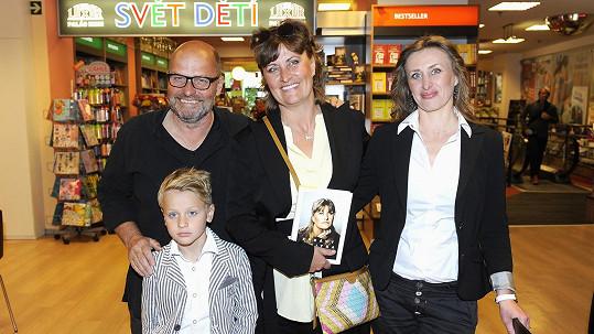 Zdeněk Pohlreich s manželkou Zdeňkou na křtu její knihy