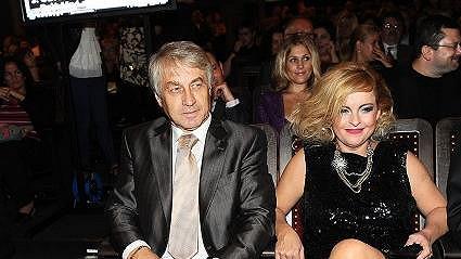 Bartošová a její Pepík si teď už nemají s kým psát.