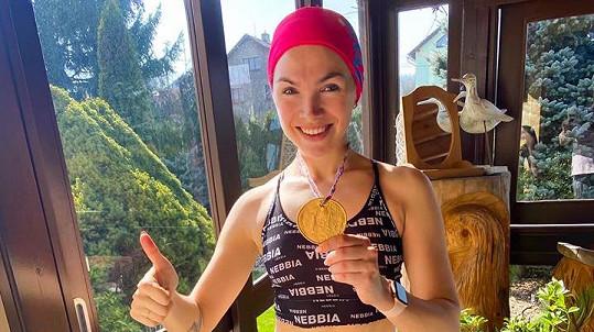 Kamila Nývltová uběhla půlmaraton doma.
