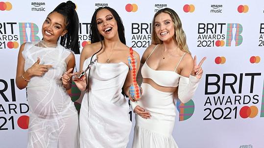 Little Mix se dočkaly ceny pro nejlepší skupinu roku.